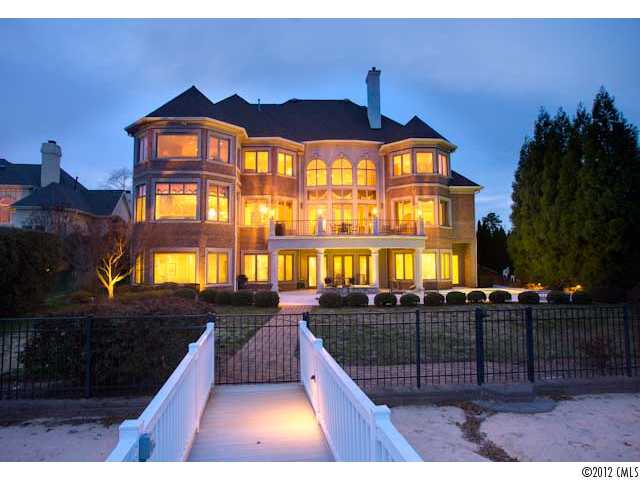 Terrific Cornelius Lakefront Homes For Sale On Lake Norman Nc Lake Interior Design Ideas Apansoteloinfo