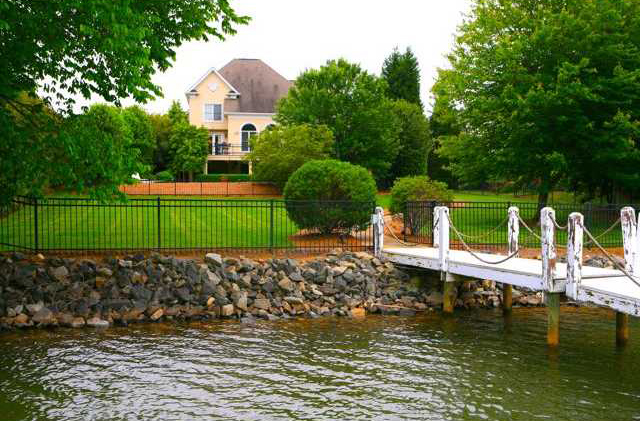 Patricks purchase waterfront homes for sale on lake norman for Lake front homes