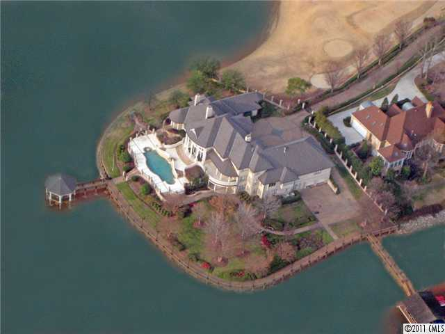 Foreclosure and short sale waterfront homes on Lake Norman, NC